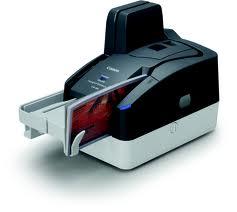 Ultrakompakt csekk szkenner a Canon-tól